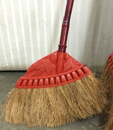 Coconut broom with handle